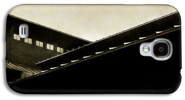 Overhang Photographs Galaxy S4 Cases - Prairie Lines Galaxy S4 Case by Scott Norris