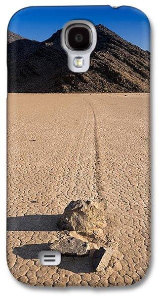 Dry Lake Galaxy S4 Cases - Racetrack Playa Death Valley Galaxy S4 Case by Steve Gadomski