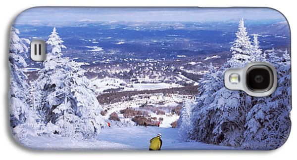 Rear View Of A Person Skiing, Stratton Galaxy S4 Case by Panoramic Images