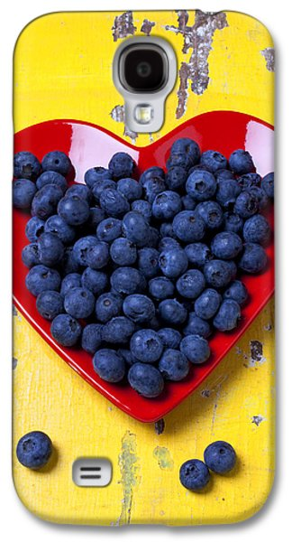 Orange Photographs Galaxy S4 Cases - Red heart plate with blueberries Galaxy S4 Case by Garry Gay