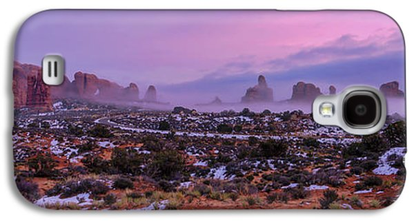 Rolling Mist Through Arches Galaxy S4 Case by Chad Dutson
