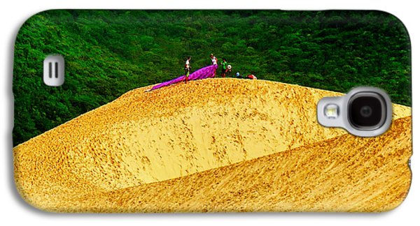 People Tapestries - Textiles Galaxy S4 Cases - Sand Dune Fun Galaxy S4 Case by James Hennis