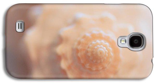 Soft Photographs Galaxy S4 Cases - Seashell Dream Galaxy S4 Case by Ana V  Ramirez