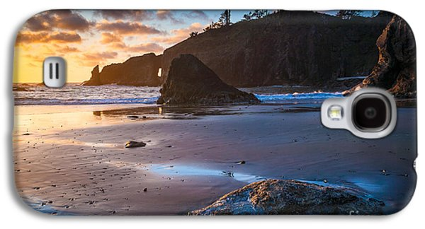 Landmarks Photographs Galaxy S4 Cases - Second Beach Sunset Galaxy S4 Case by Inge Johnsson