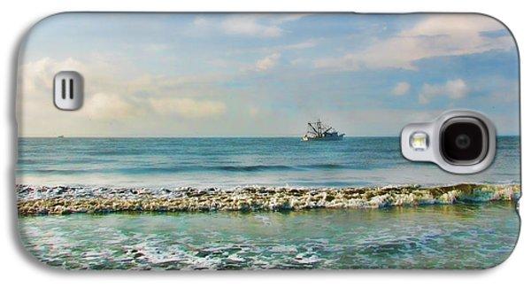 Ocean Art Photos Galaxy S4 Cases - Shrimp Boat Off Kiawah Galaxy S4 Case by Amy Tyler