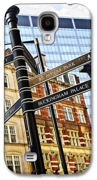 Landmarks Photographs Galaxy S4 Cases - Signpost in London Galaxy S4 Case by Elena Elisseeva