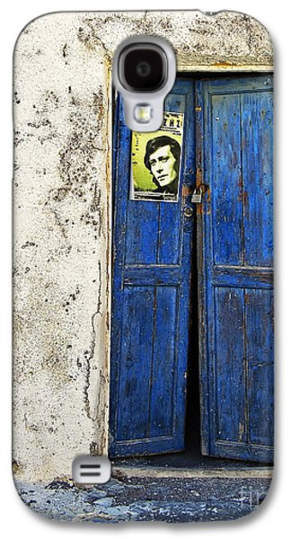 Entrance Door Galaxy S4 Cases - Singin The Blues Galaxy S4 Case by Meirion Matthias