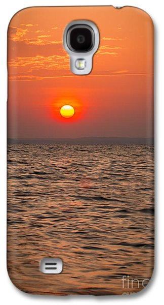Beach Landscape Galaxy S4 Cases - Skimming the surface Galaxy S4 Case by Alexander Butler