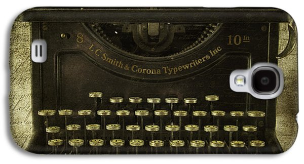 Typewriter Keys Photographs Galaxy S4 Cases - Smith And Corona Typewriter Galaxy S4 Case by Cindi Ressler