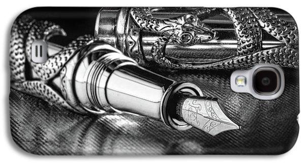 Snake Pen In Black And White Galaxy S4 Case by Tom Mc Nemar