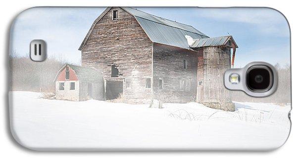 Snowy Winter Barn Galaxy S4 Case by Gary Heller