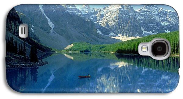 Canoeing Galaxy S4 Cases - S.short Canoeist, Moraine Lake, Ab, Fl Galaxy S4 Case by Steve Short