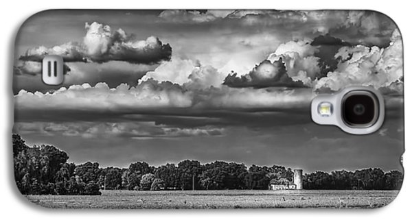 Barn Yard Galaxy S4 Cases - Storm A Coming-BW Galaxy S4 Case by Marvin Spates