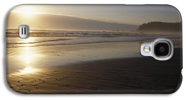 Beach Landscape Galaxy S4 Cases - Sun Setting On Shoreline Galaxy S4 Case by Gillham Studios