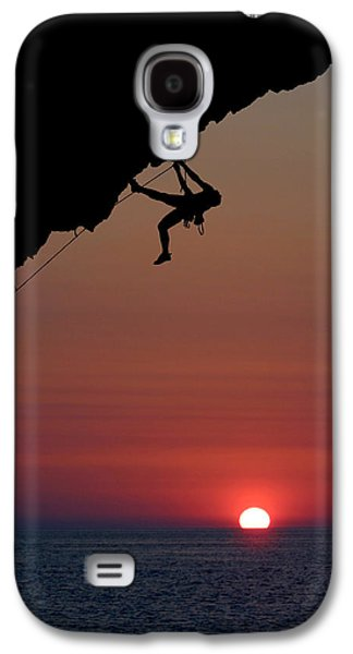 Overhang Photographs Galaxy S4 Cases - Sunrise Climber Galaxy S4 Case by Neil Buchan-Grant
