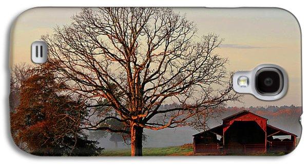 Sunrise Oak Red Barn Misty Morning Galaxy S4 Case by Reid Callaway