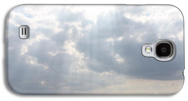 Reflection Of Sun In Clouds Galaxy S4 Cases - Suns Rays Over The Atlantic Ocean Galaxy S4 Case by John Telfer