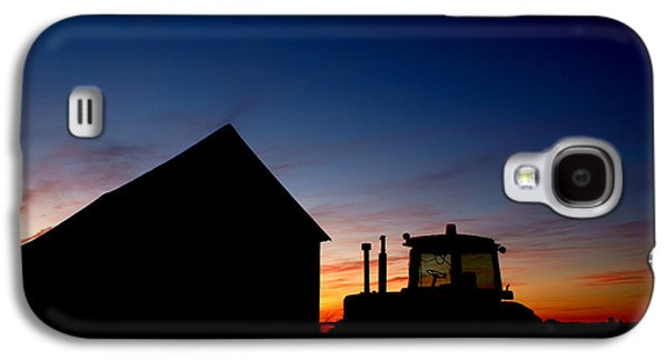 Machinery Photographs Galaxy S4 Cases - Sunset on the Farm Galaxy S4 Case by Cale Best