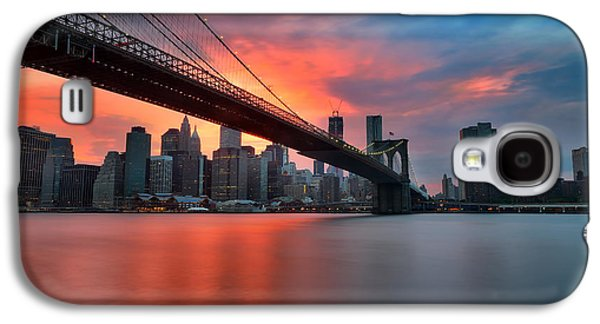 Sunset Over Manhattan Galaxy S4 Case by Larry Marshall