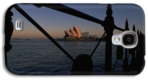 Galaxy S4 Case featuring the photograph Sydney Opera House by Travel Pics