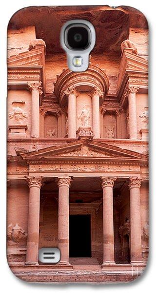 Jordan Photographs Galaxy S4 Cases - The ancient Treasury Petra Galaxy S4 Case by Jane Rix