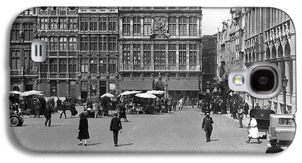 The Grand Place In Brussels Galaxy S4 Case by Underwood Archives