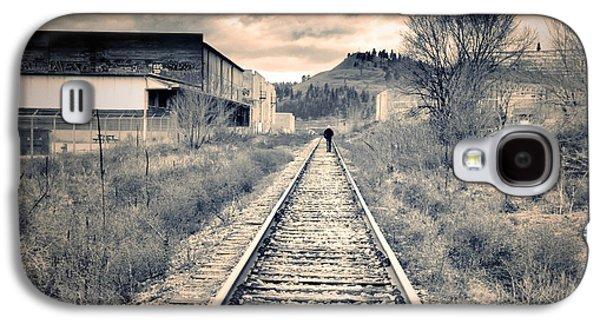 Tara Turner Galaxy S4 Cases - The Man on the Tracks Galaxy S4 Case by Tara Turner