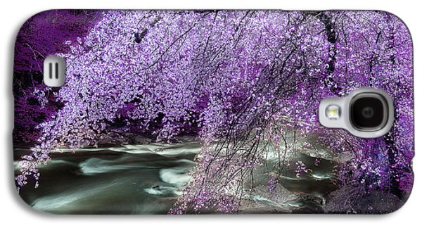 Overhang Photographs Galaxy S4 Cases - The Streams Healing Rhythm Galaxy S4 Case by Michael Eingle
