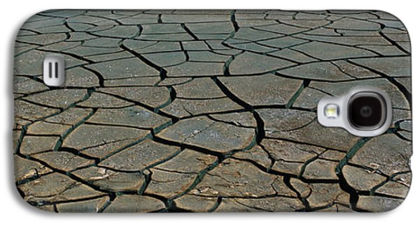 Dry Lake Galaxy S4 Cases - This Is A Pattern In Dry, Cracked Mud Galaxy S4 Case by Panoramic Images
