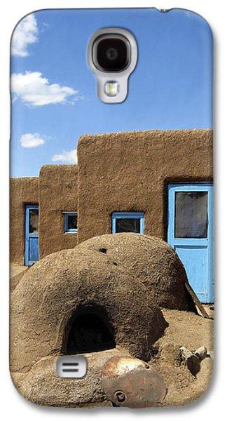 Taos Galaxy S4 Cases - Tres Casitas Taos Pueblo Galaxy S4 Case by Kurt Van Wagner