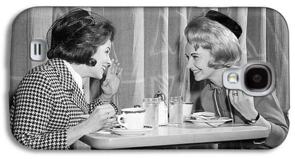 Two Women Gossiping At Lunch, C.1960s Galaxy S4 Case by H. Armstrong Roberts/ClassicStock