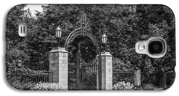 University Of Chicago Hull Court Gate Galaxy S4 Case by University Icons