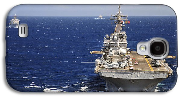 Boxer Galaxy S4 Cases - Uss Boxer Leads A Convoy Of Ships Galaxy S4 Case by Stocktrek Images