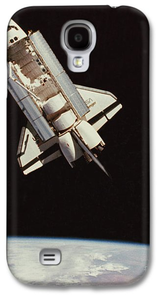 Challenger Galaxy S4 Cases - View Of Space Shuttle Galaxy S4 Case by NASA / Science Source