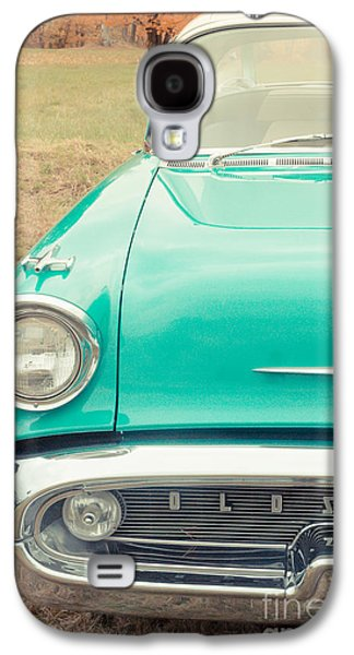 Vehicles Photographs Galaxy S4 Cases - Vintage Car in a Field Galaxy S4 Case by Edward Fielding