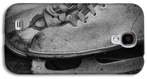 Antique Skates Galaxy S4 Cases - Vintage Ice Skates in black and white Galaxy S4 Case by Paul Ward
