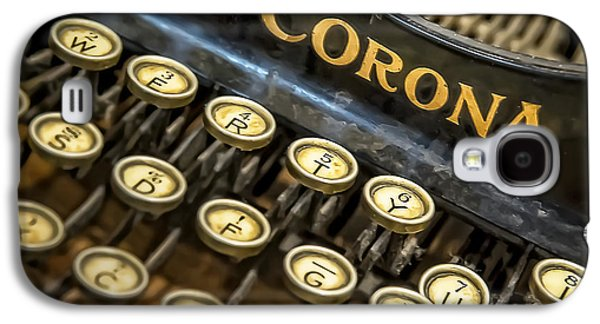 Typewriter Keys Photographs Galaxy S4 Cases - Vintage Typewriter Galaxy S4 Case by Scott Norris