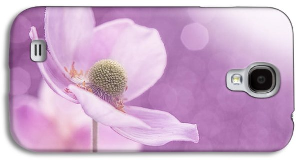 Contemporary Abstract Photographs Galaxy S4 Cases - Violet Breeze Galaxy S4 Case by Lisa Knechtel