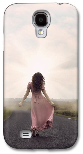 Person Galaxy S4 Cases - Walking Towards The Sun Galaxy S4 Case by Joana Kruse