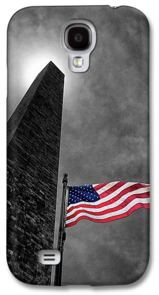 Washington Monument And The Stars And Stripes Galaxy S4 Case by Andrew Soundarajan