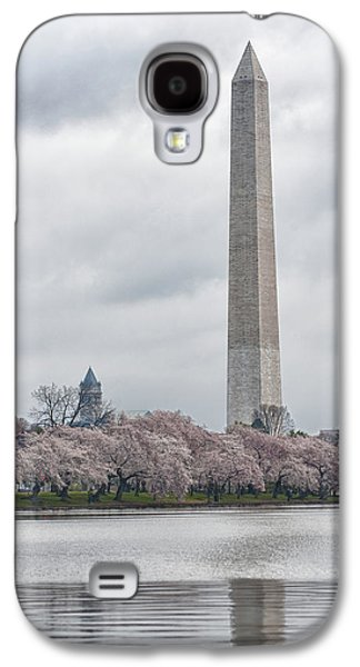 Tidal Photographs Galaxy S4 Cases - Washington Monument During Cherry Blossom Festival  Galaxy S4 Case by Sebastian Musial
