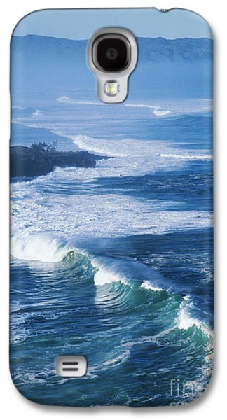 Turbulent Skies Galaxy S4 Cases - Waves At Waimea Bay Galaxy S4 Case by Ali ONeal - Printscapes