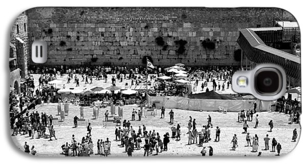 Old Western Photos Galaxy S4 Cases - Western Wall Galaxy S4 Case by John Rizzuto
