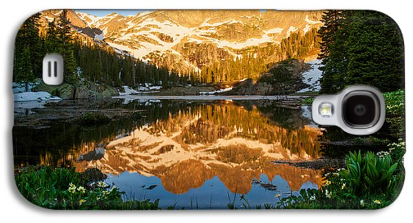Willow Lake Photographs Galaxy S4 Cases - Willow Lake Sunrise Galaxy S4 Case by Aaron Spong