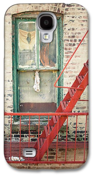 Manhatan Galaxy S4 Cases - Window and red fire escape Galaxy S4 Case by Gary Heller