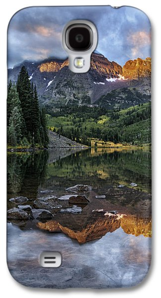 Dreamscape Galaxy S4 Cases - Zen Moment at Maroon Lake Galaxy S4 Case by Thomas Schoeller