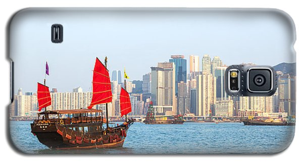 Chinese Junk Boat Sailing In Hong Kong Harbor Galaxy S5 Case by Matteo Colombo