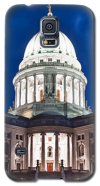 Wisconsin State Capitol Building At Night Galaxy S5 Case by Sebastian Musial
