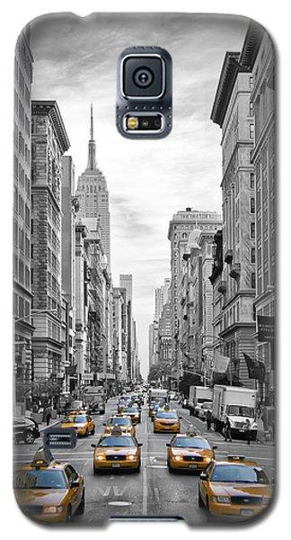 5th Avenue Yellow Cabs Galaxy S5 Case by Melanie Viola