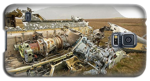 An Argentinian Puma Helicopter Galaxy S5 Case by Ashley Cooper